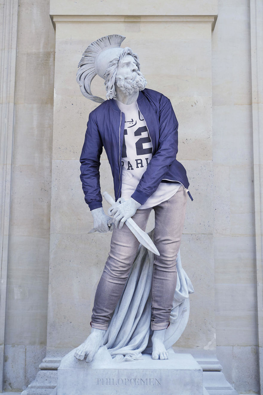 The-Hipsters-in-Stone-project-is-back-Old-dressed-statues-turning-instagram-stars-59902cfb05396__880