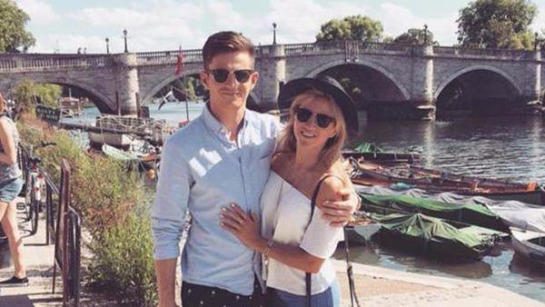 Michael Randall y su novia