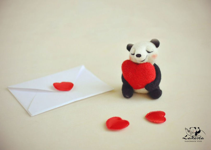 20-Cutest-Felted-Toys-Ever-By-LaKosta-59b2b3a4ca3f5__880
