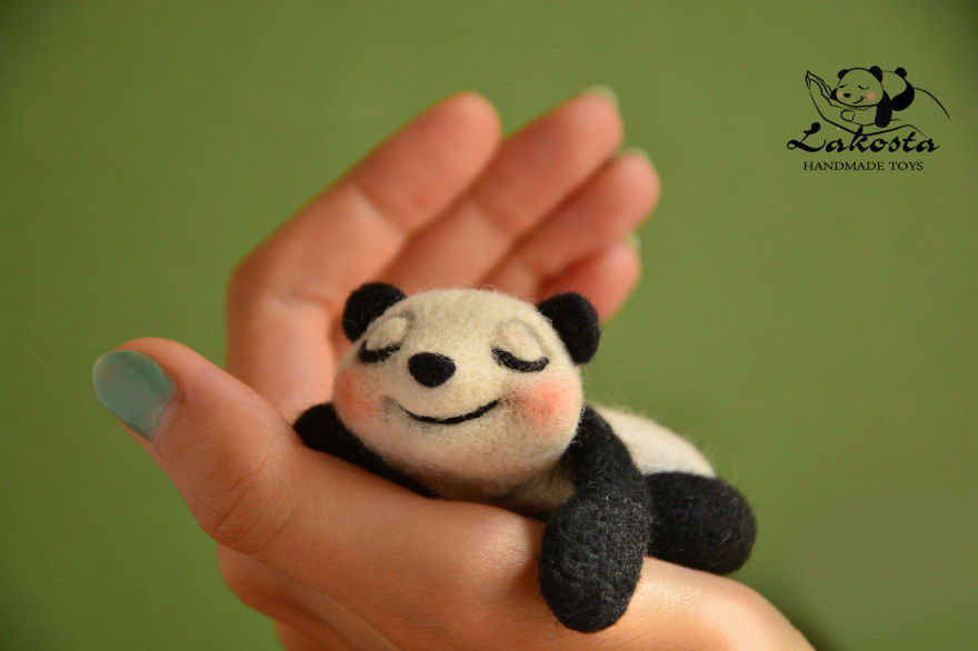 20-Cutest-Felted-Toys-Ever-By-LaKosta-59b2b3b55615f__880