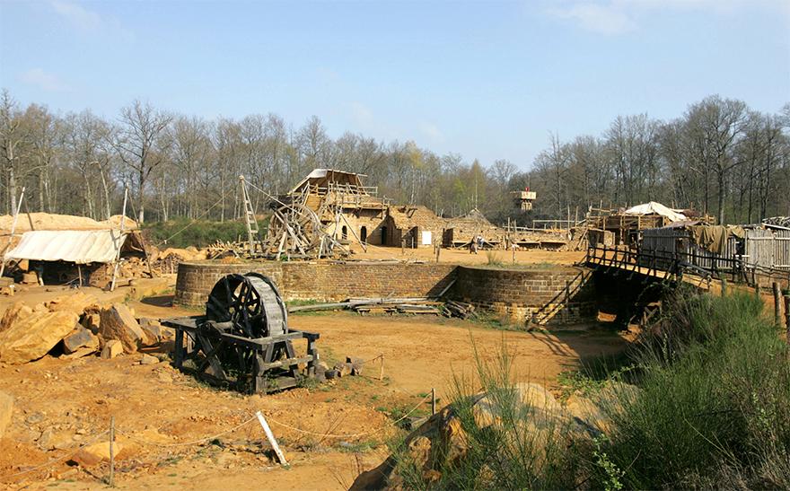 building-13th-century-guedelon-castle-france-59ca12b0d656d__880