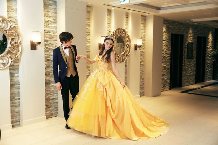 disney-wedding-dresses-kuraudia-co-10-59c4b539c8b3f__700