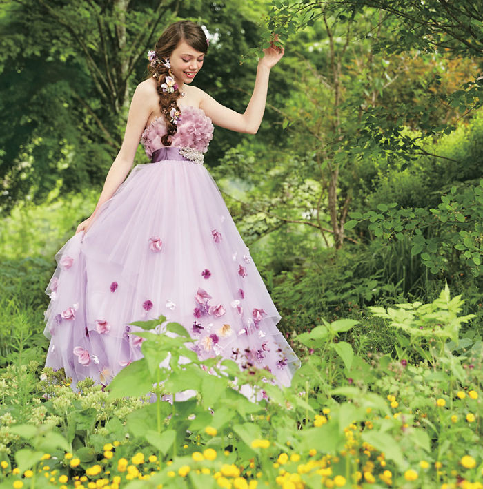 disney-wedding-dresses-kuraudia-co-3-59c4b2f43b9c4__700