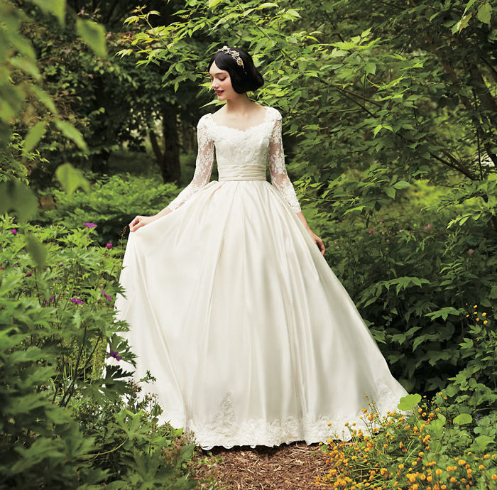 disney-wedding-dresses-kuraudia-co-7-59c4b2fabf886__700