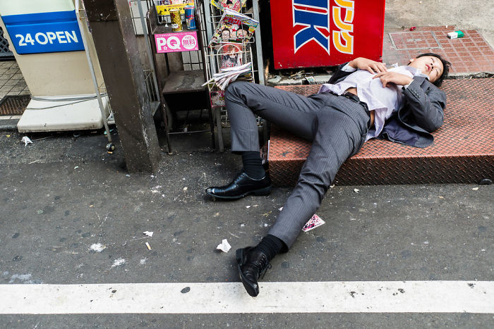 drunk-japanese-photography-lee-chapman-10-59c0c51769ce0__700