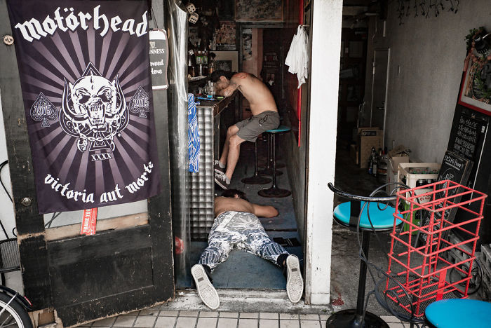 drunk-japanese-photography-lee-chapman-20-59c0c52deed9b__700
