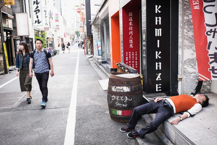 drunk-japanese-photography-lee-chapman-6-59c0c54a71fea__700