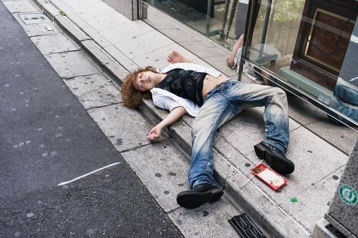 drunk-japanese-photography-lee-chapman-7-59c0c54cab17f__700