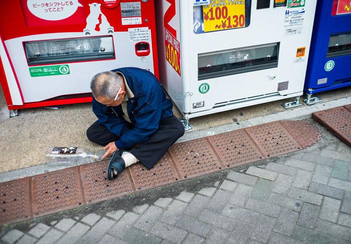 drunk-japanese-photography-lee-chapman-9-59c0c5152a7fe__700