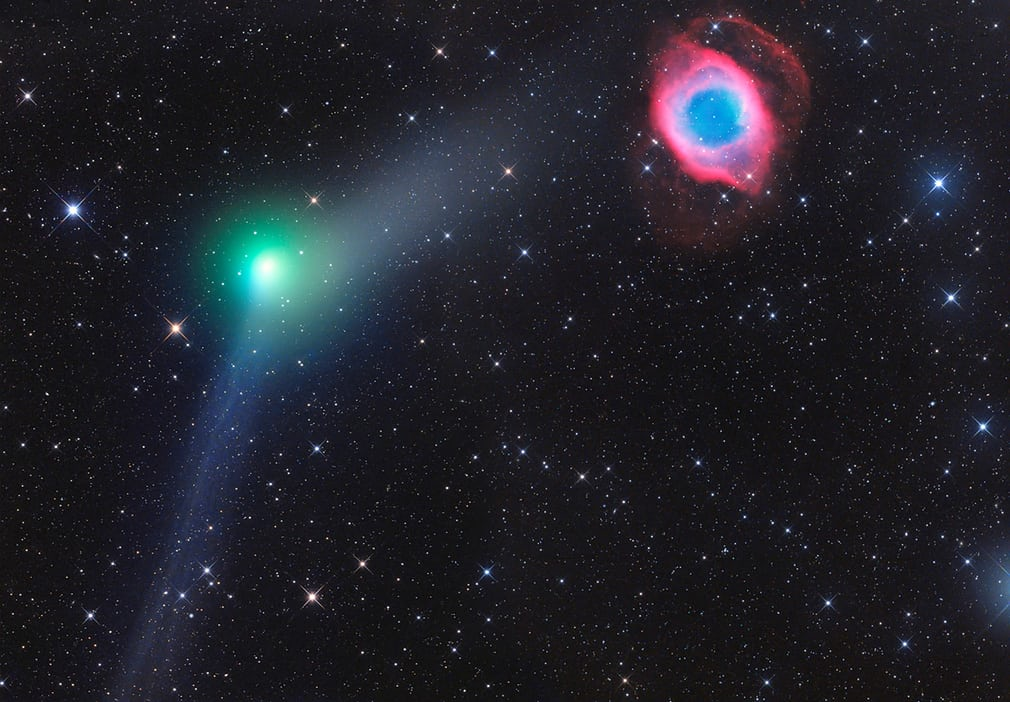 encounter-of-comet-and-planetary-nebula_3c4e7a4d