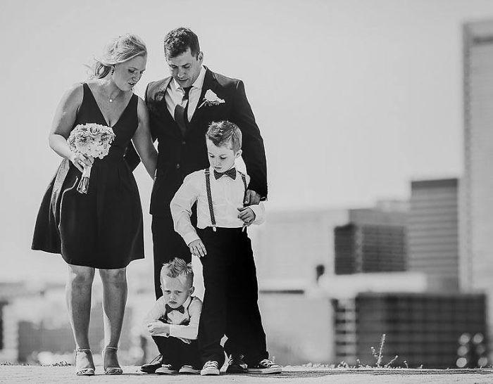 funny-kids-at-weddings-16-59c21e3a0035f__700