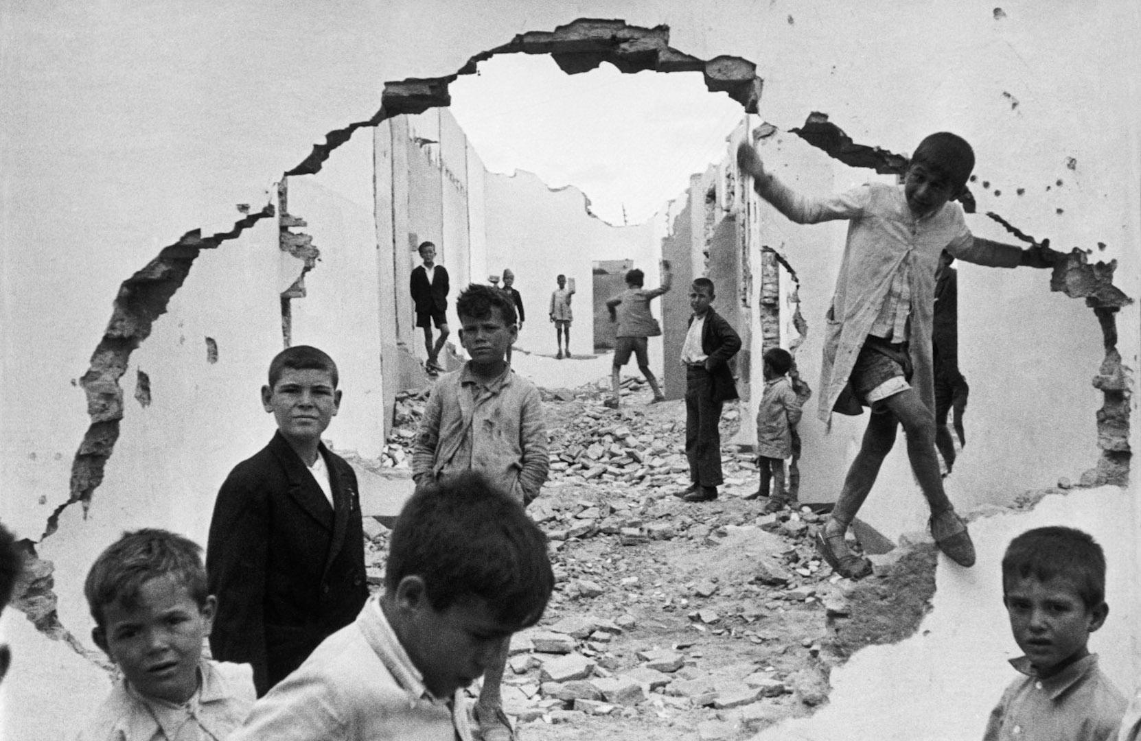 Henri-Cartier-Bresson-2