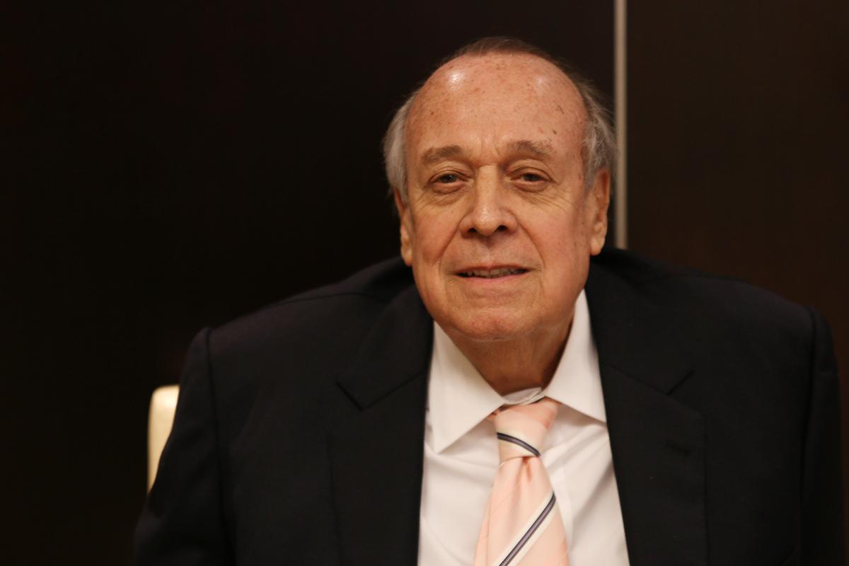 Hugo Franco asesora a políticos