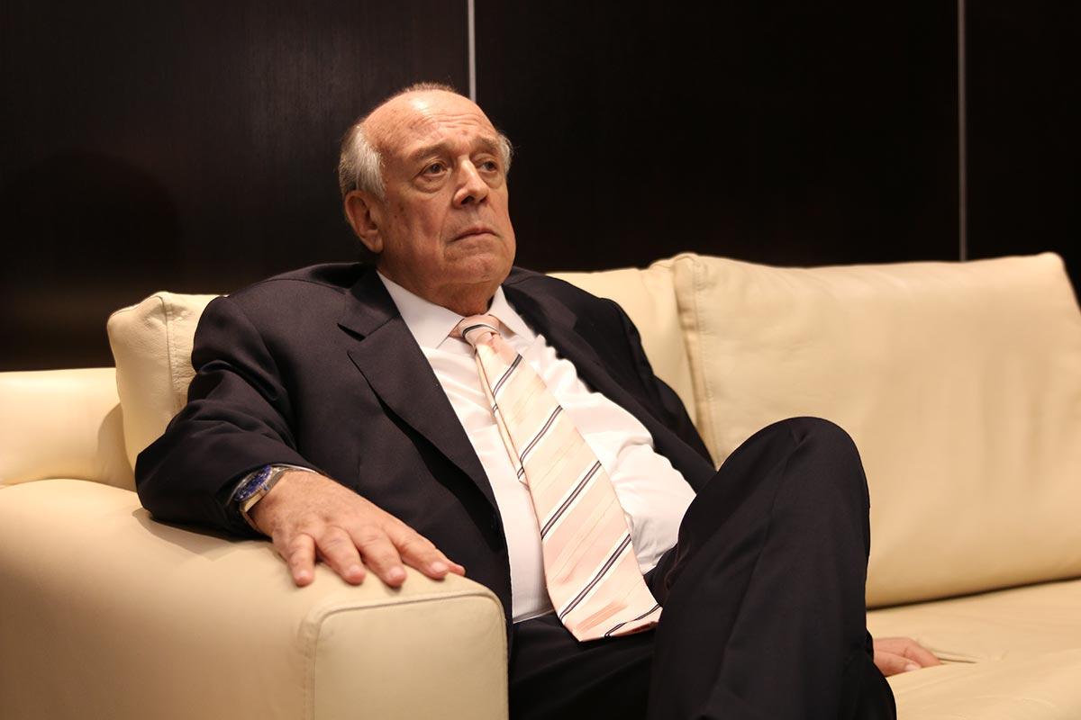 El político Hugo Franco, en su oficina