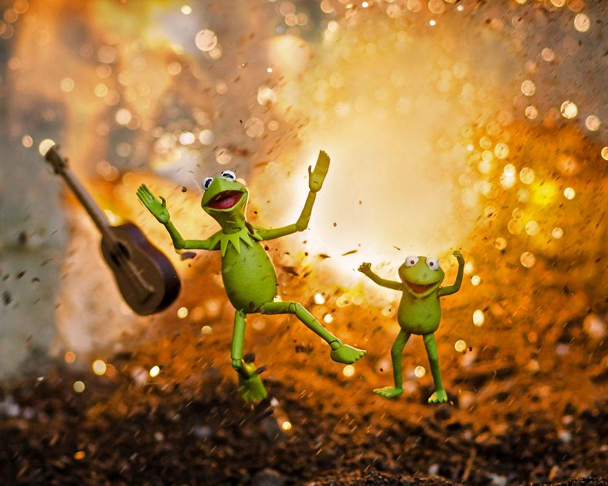 Kermit-Explosion-59c41c2c23369__880