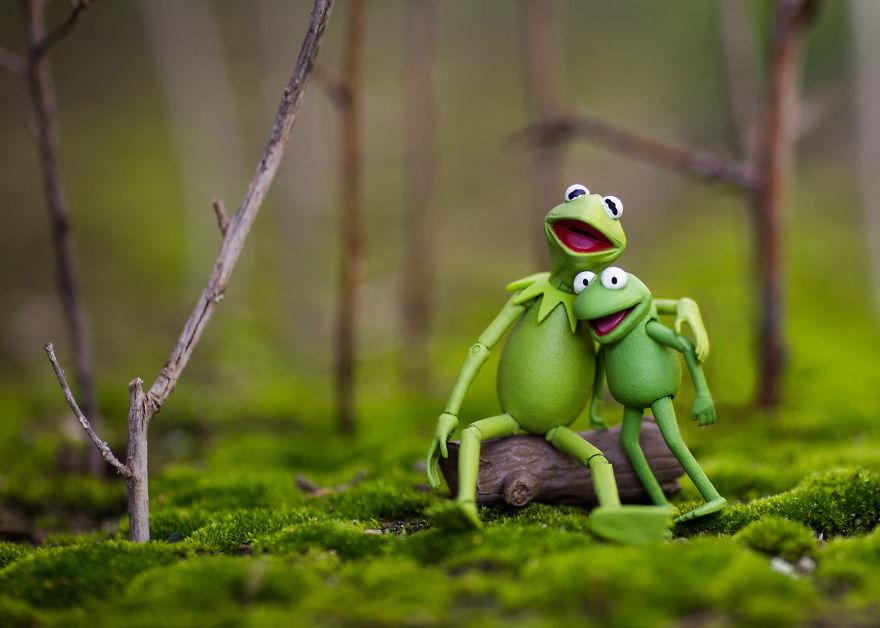 Kermit-n-Robin-Forest-Hug-59c41c7888fb2__880