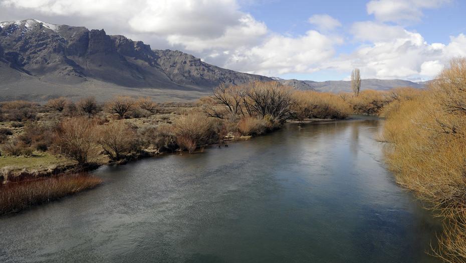 Vista del río Chubut, en las proximidades de donde se realizaron los rastrillajes.