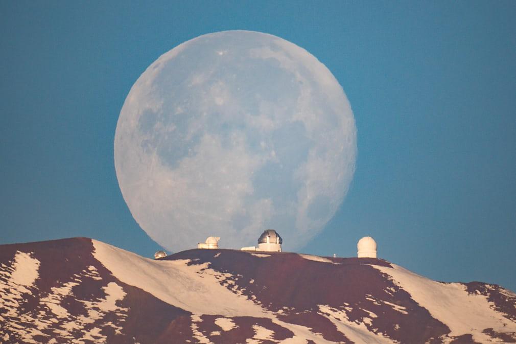 mauna-kea-moonset_c390f4d1