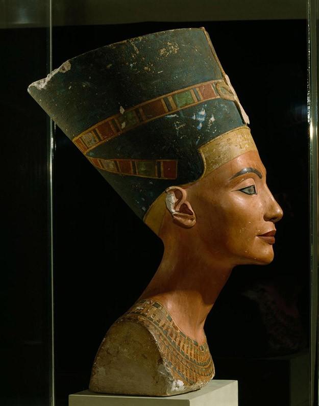 origen-del-maquillaje-cleopatra.jpg.imgw.1280.1280