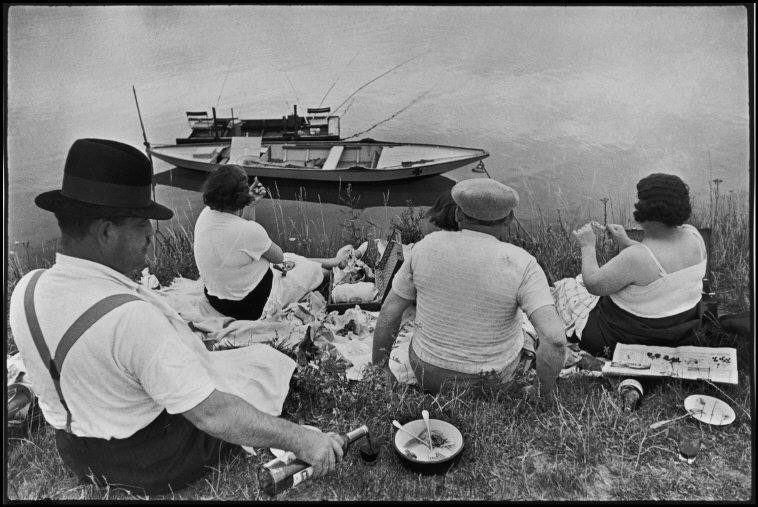 FRANCE. Sunday on the banks of the River Seine. 1938.