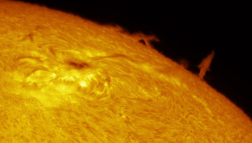 solar-limb-prominence-and-sunspot_e2290a18