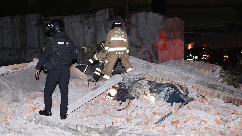 Si bien sonaron las alarmas de alerta de terremotos, las personas sólo tuvieron tiempo para abandonar las casas y salvar sus vidas.