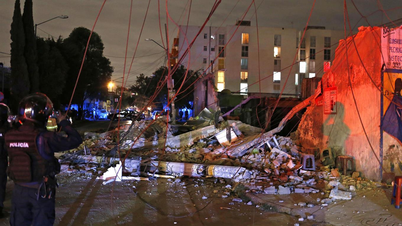 Un terremoto de 8.2 grados en la escala Richter sacudió el sur de México cerca de la medianoche.