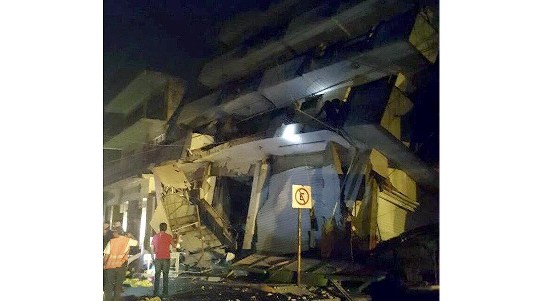 Los edificios quedaron destruidos.