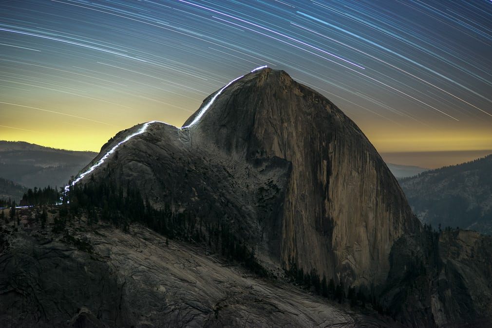 the-cable-route-of-half-dome-at-night_6d7a50da