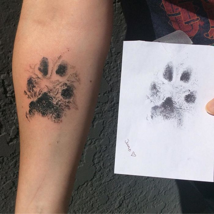 The-paws-of-the-dogs-are-being-tattooed-on-their-owners-and-the-result-is-adorable-59b337800c859__700