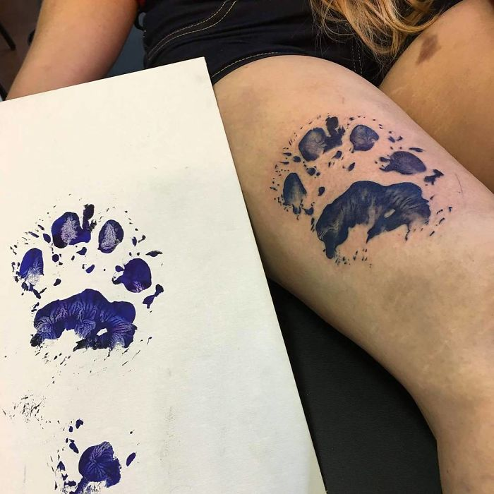 The-paws-of-the-dogs-are-being-tattooed-on-their-owners-and-the-result-is-adorable-59b337aeda1b8__700