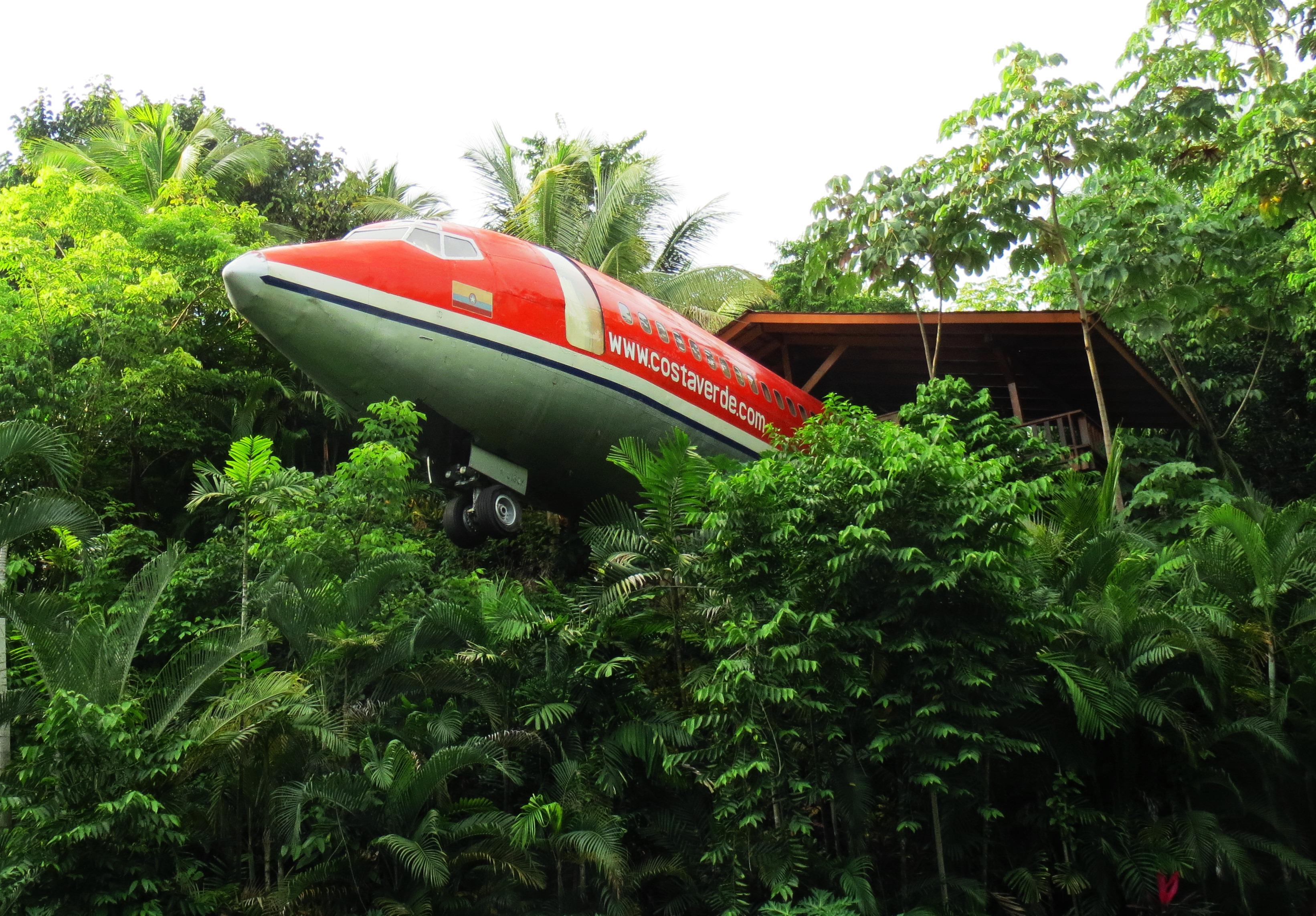 Boeing_727,_Hotel_Costa_Verde,_Costa_Rica_(2014)_photo_by_Gotanero