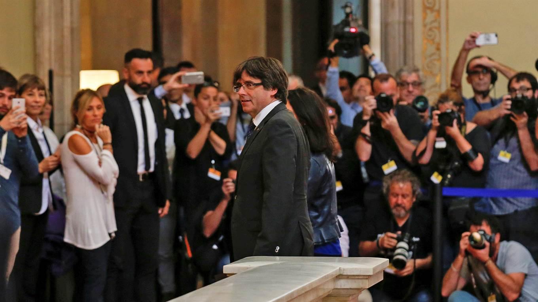 Carles Puigdemont, presidente catalán, entrando al Parlamento.
