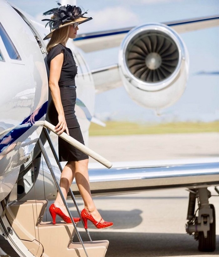 instagram-photoshoot-grounded-private-jet-studio-moscow-14