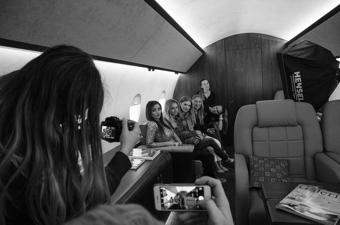 instagram-photoshoot-grounded-private-jet-studio-moscow-30