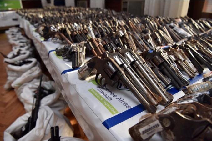 Se estima que existe un ejemplar ilegal por cada arma registrada.