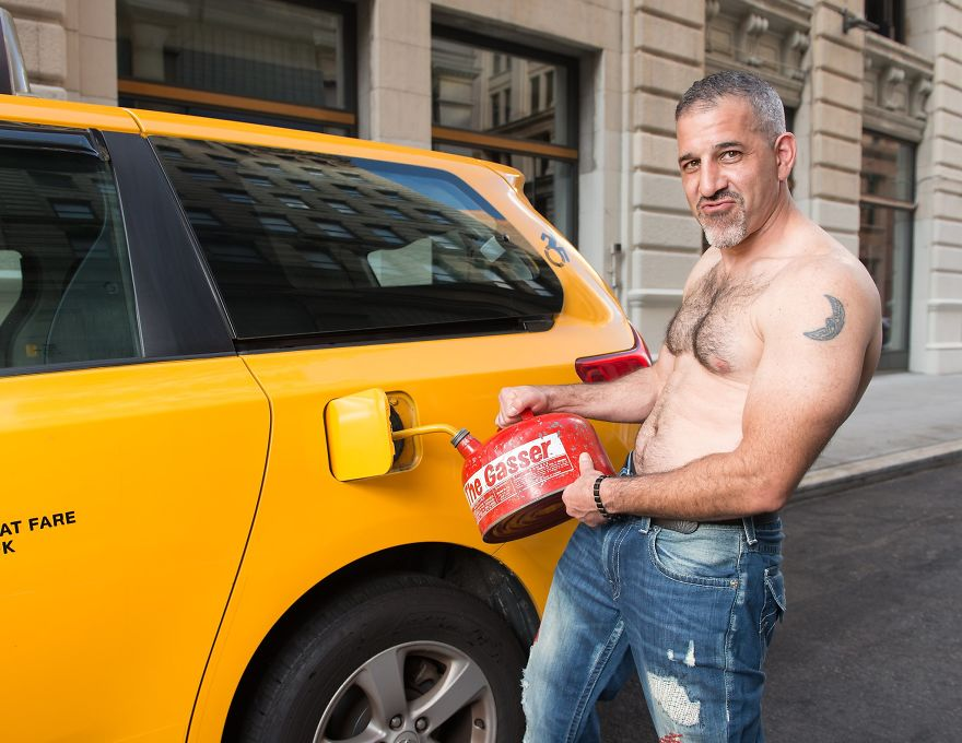 Calendar-gathers-New-York-taxi-drivers-in-sexy-poses-and-the-result-is-a-lot-of-fun-5a13253fac648__880