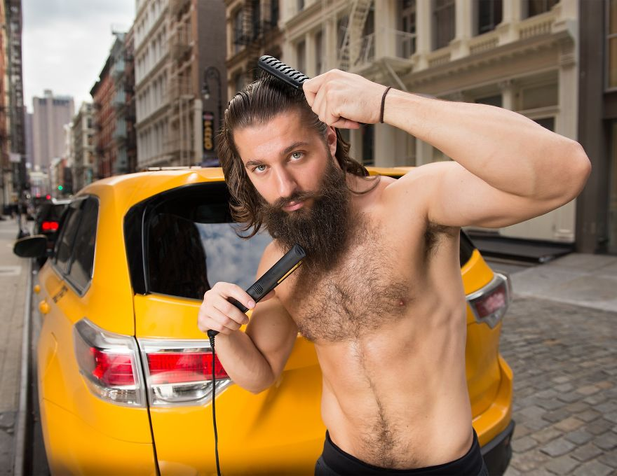 Calendar-gathers-New-York-taxi-drivers-in-sexy-poses-and-the-result-is-a-lot-of-fun-5a1325ebd3e19__880
