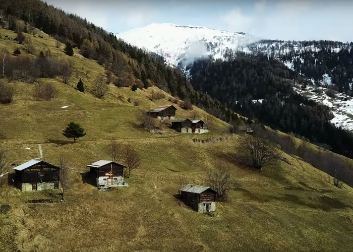 swiss-village-albinen-living-offer-for-families-53000-pounds-4-5a16834038dd6__700