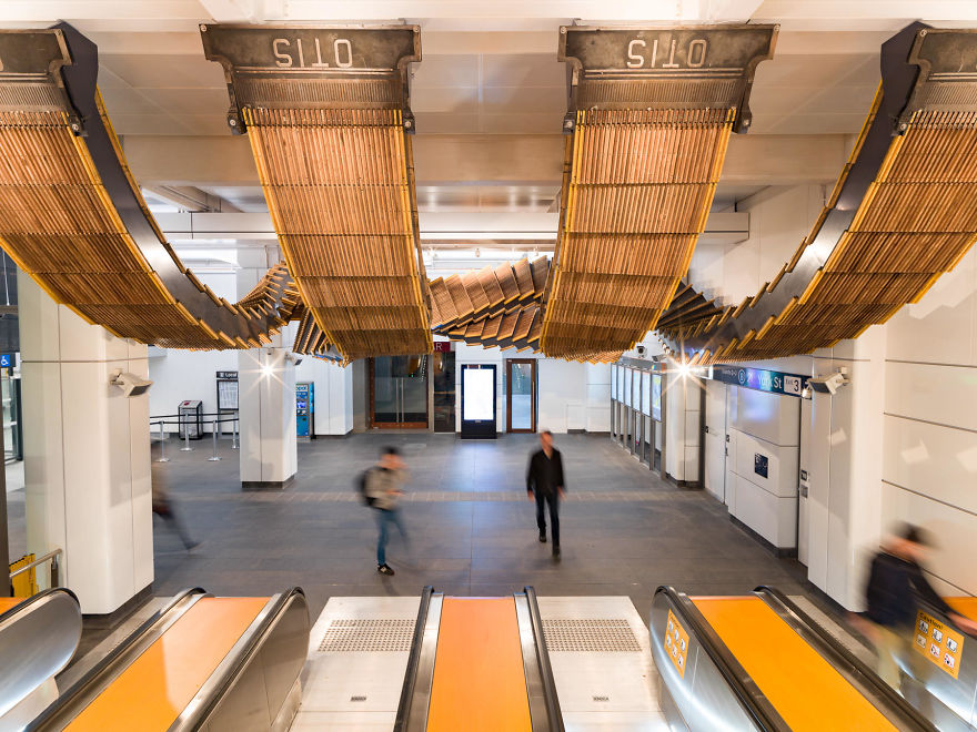 10-Images-from-Sydney-metro-that-looks-like-something-out-of-inception-5a2a59f8e6e42__880
