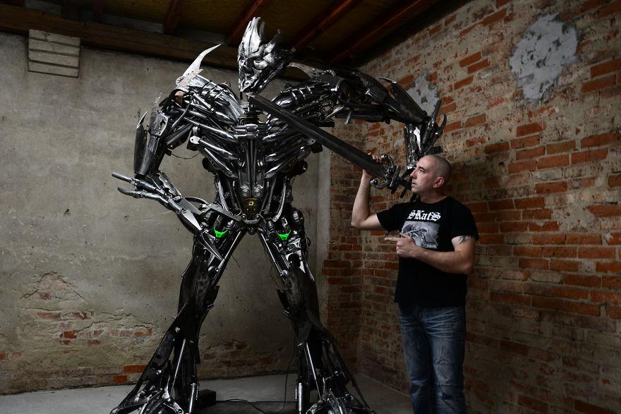 Awesome-scrap-sculptures-by-Sebastian-Kucharski-art-from-SCRAP-Poland-5a282bf77d908__880