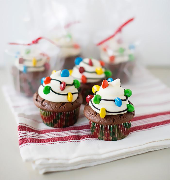 creative-holiday-cupcake-recipes-1-5a25483652cdb__700