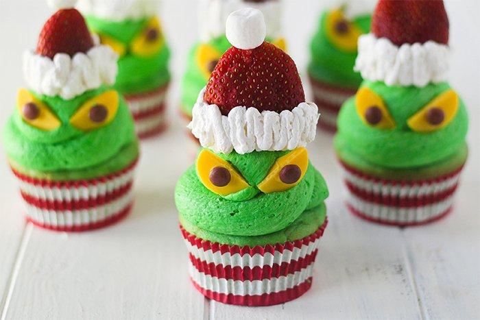 creative-holiday-cupcake-recipes-10-5a254eb0a8f0f__700
