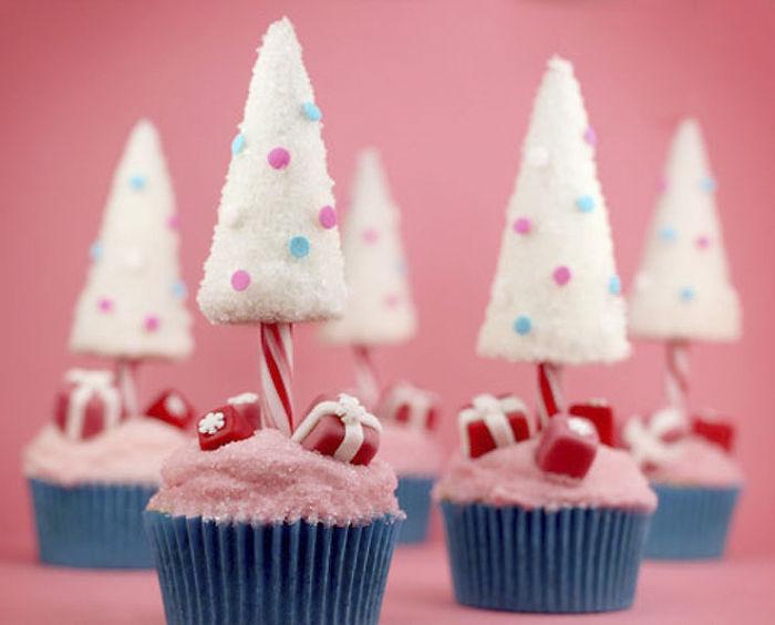creative-holiday-cupcake-recipes-128-5a294dd67c26f__700