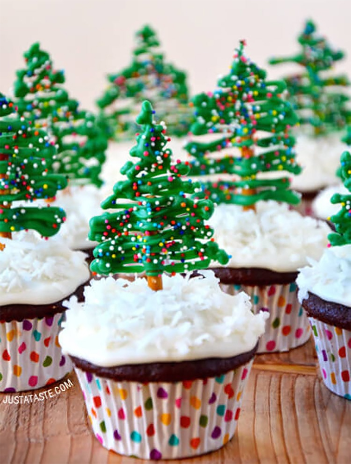 creative-holiday-cupcake-recipes-8-5a254de352cd9__700