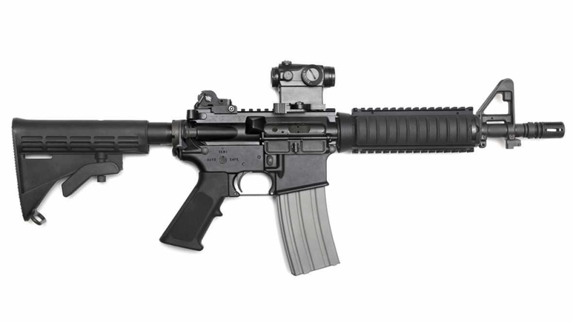 Fusil de asalto semiautomático AR-15.