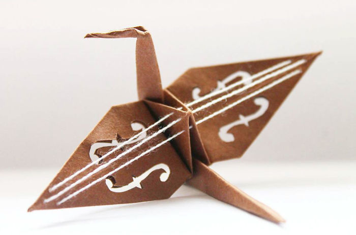 I-folded-and-decorated-an-origami-crane-every-day-for-1000-days-5a3225741f821__700