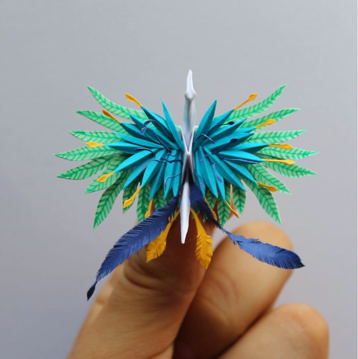 I-folded-and-decorated-an-origami-crane-every-day-for-1000-days-5a322741a3021__700