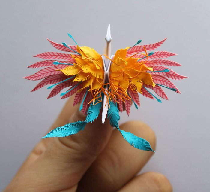I-folded-and-decorated-an-origami-crane-every-day-for-1000-days-5a323c5786fd5__700