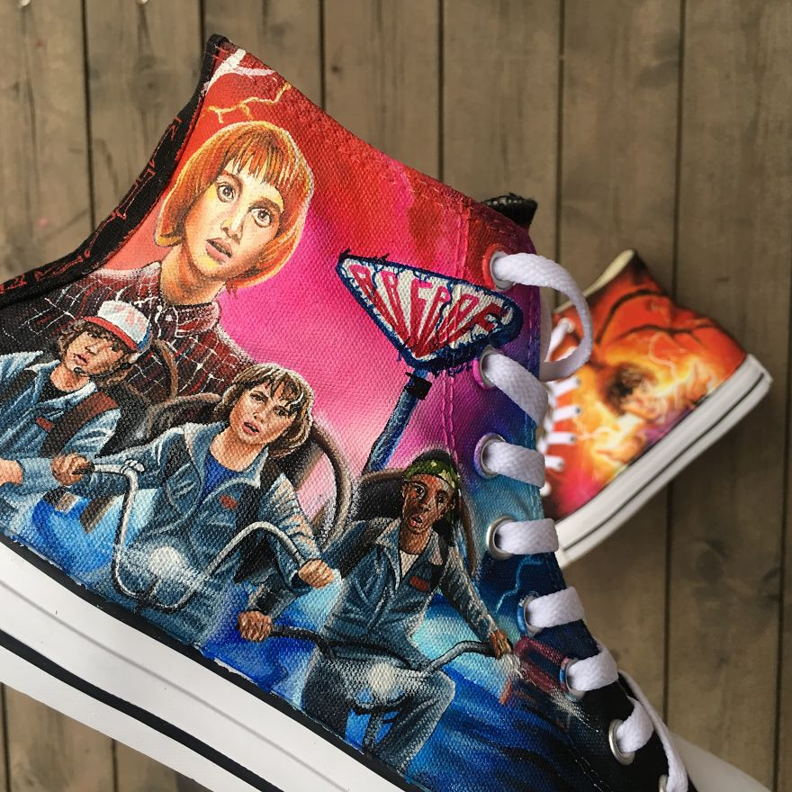 I-made-this-STRANGER-THINGS-hand-painted-shoes-5a37e54a21231__880